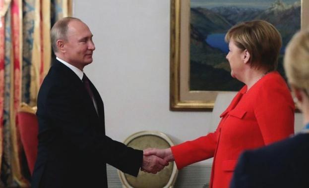 Германският канцлер Ангела Меркел е имала днес телефонен разговор с