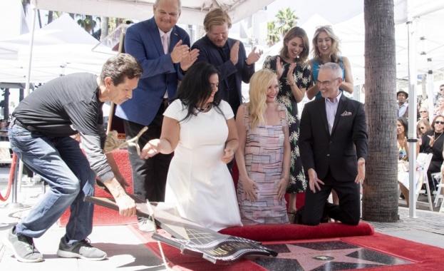 Кирстен Дънст получи звезда в Алеята на Славата в Холивуд.