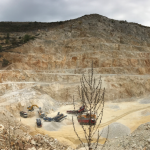 """Швейцарската фирма """"Холсим"""" унищожава природата около Белащица"""