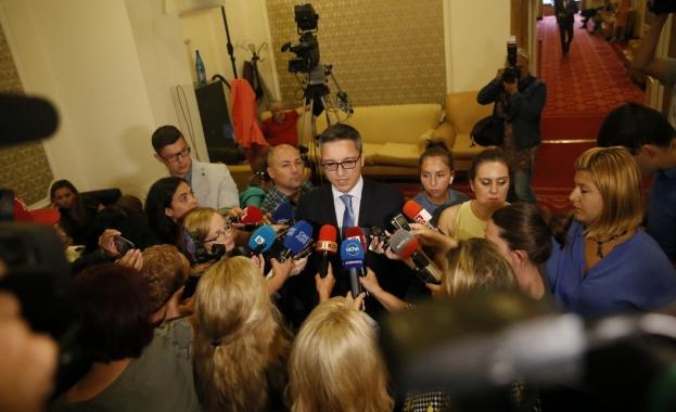 Кристиян Вигенин: Спрете импровизациите във външната ни политика!