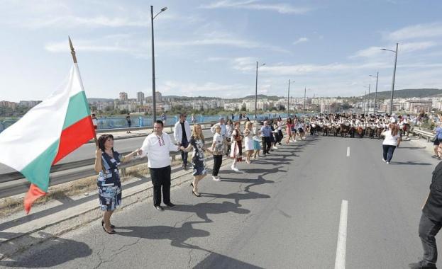 Цвета Караянчева откри Фестивала на българския бит и култура в Кърджали