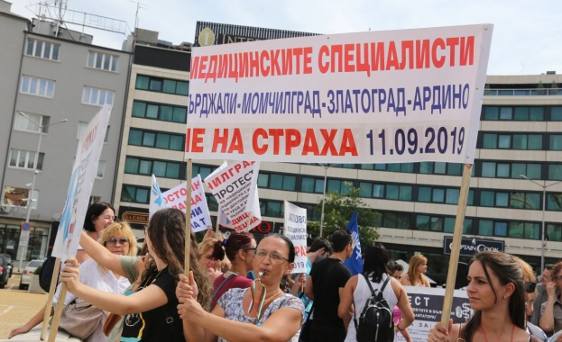Медицинските сестри: Искаме стартова заплата 1120 лв.