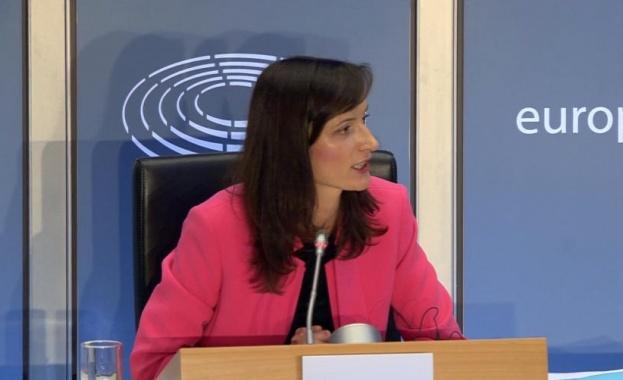 Българският кандидат за евродепутат Мария Габриел, която е и единствената