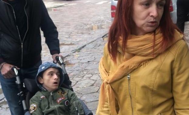 Хората с увреждания могат да останат без лична помощ от