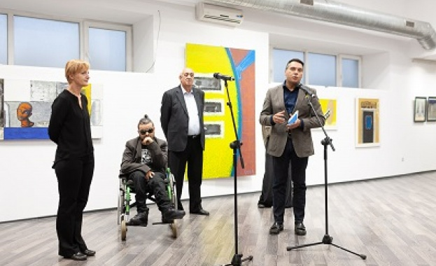НДК получи като дарение творба на Кольо Карамфилов