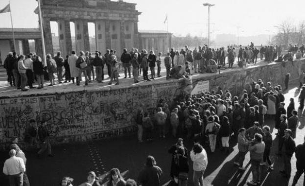 Das Erste: За руснаците падането на Берлинската стена се превърна от триумф на «свободата» в унижение