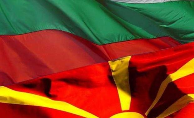 България плътно до РС Македония за ЕС, с истината напред
