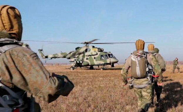 Десант на подразделение на Спецназ в тила на условния противник (ВИДЕО)
