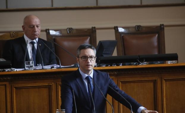 """""""БСП подкрепя декларацията на НС за Северна Македония, но държим"""