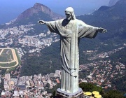 На 12 октомври 1931 г. тържествено се открива статуята на Исус Христос в Рио де Жанейро