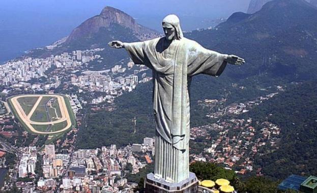 Снимка: На 12 октомври 1931 г. тържествено се открива статуята на Исус Христос в Рио де Жанейро