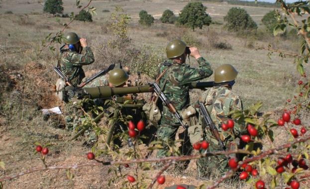 Артилерийски формирования от състава на Сухопътните войски провеждат десетдевно полево