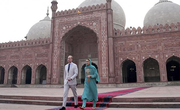 Кейт Мидълтън и принц Уилям продължават своето приключение в Пакистан,