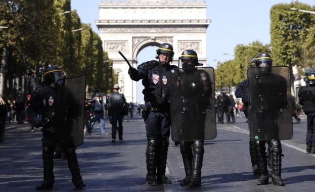 Френските полицаи са арестували заподозрян за подготовка на терористичен акт