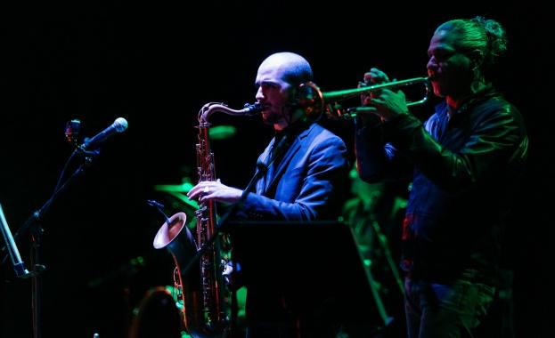 Италианската звезда Марио Бионди изнесе изискан и стилен двучасов концерт