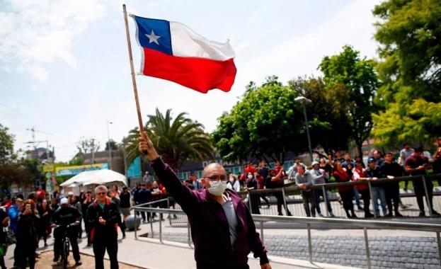 Десет души вече са жертвите на продължаващите бунтове в Чили.
