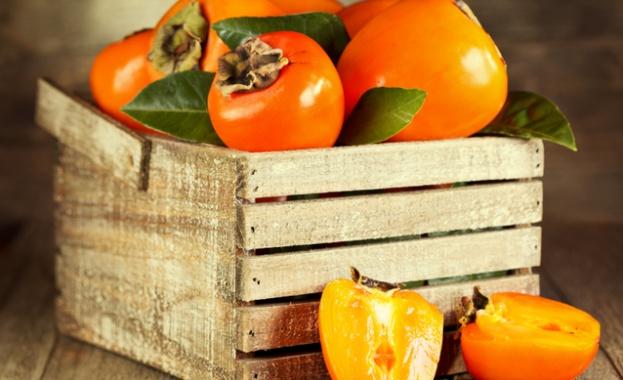 Райската ябълка, наричана още персимон, е плодът на дърво от