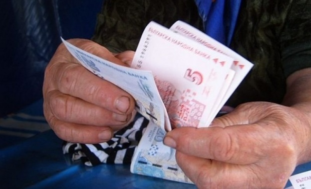 От първи юли догодина пенсиите да се увеличат със 6,7