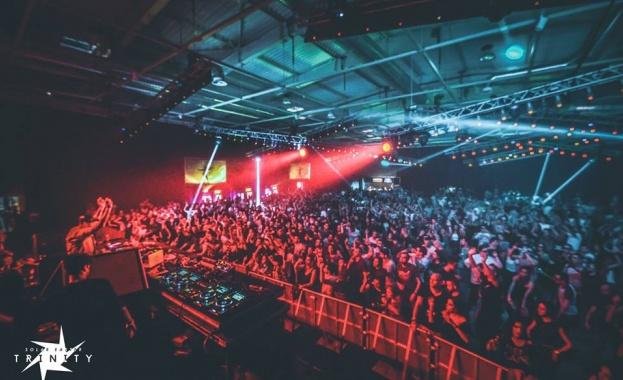 YALTA CLUB се завърна към славните времена с пълен клуб