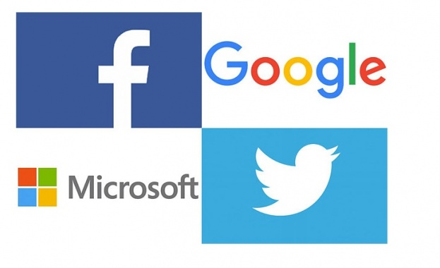 """ЕК призова """"Фейсбук"""", """"Гугъл"""" и """"Туитър"""" да направят повече за борбата с фалшивите новини в ЕС"""