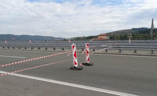 """До 29 ноември се ограничава движението по 14 км участък от АМ """"Струма"""" в посока Дупница"""