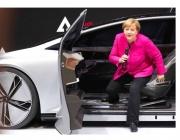 Меркел иска 1 млн. зарядни станции за електромобили до 2030 г. (Снимки)