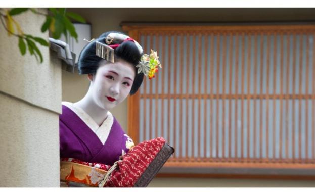 Снимка: Киото забрани на туристите да снимат гейши