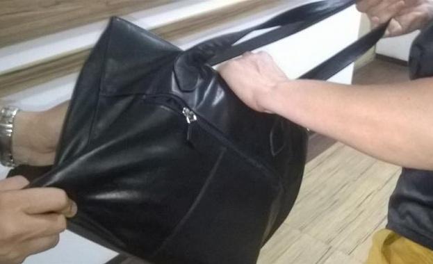 Чанта с около 150 хил. лева е била открадната от