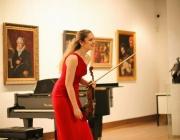 Цигуларката Зорница Иларионова ще зарадва почитателите си в София с творби от Ернест Шосон
