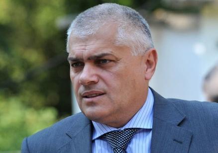 Вътрешният министър е глобен за изнасяне на лични данни на чужд гражданин