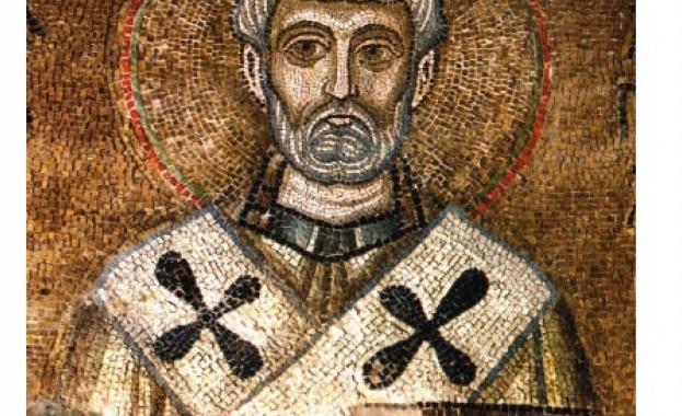 Св. Климент бил трети син на Фавет и Матидия, богати