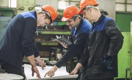 Бизнесът иска по-малко бюрокрация при наемане на чуждестранни работници