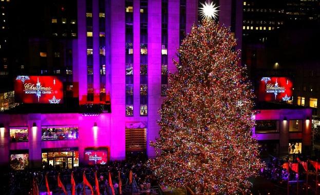 Запалиха традиционната коледна елха в Ню Йорк и празничното настроение