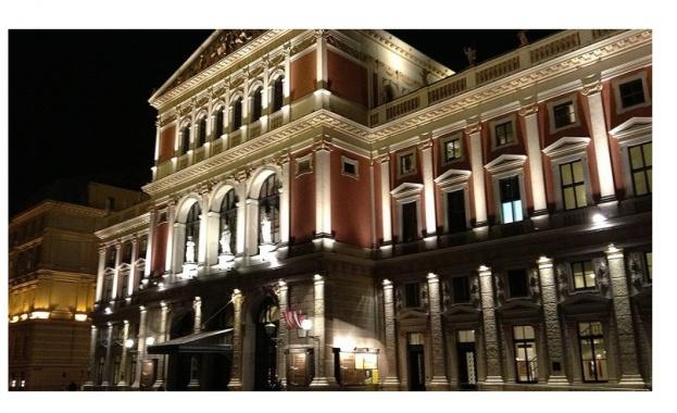 """Снимка: Виенчани аплодираха на крака Софийската филхармония в """"Музикферайн"""""""