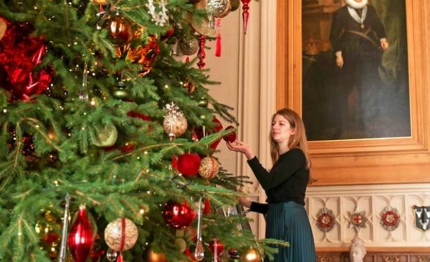 Както е добре известно, британското кралско семейство взима отбелязването на