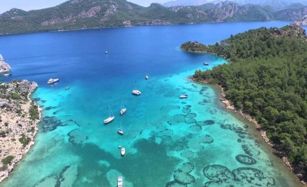 Туристите в Турция ще плащат допълнителен данък от 2 %