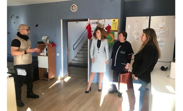 Заместник-министър председателят по икономическата и демографската политика Марияна Николова посети