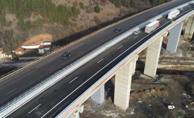 През 2019 г. са ремонтирани 10 големи съоръжения на автомагистралите