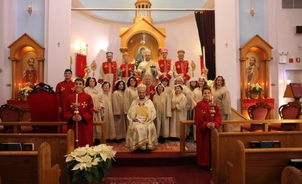 Арменците празнуват Бъдни тази вечер - 5 януари. От 1717