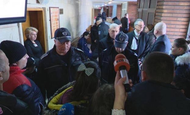 Съдът в Сливен отложи делото за убийството на 7-годишното момиченце