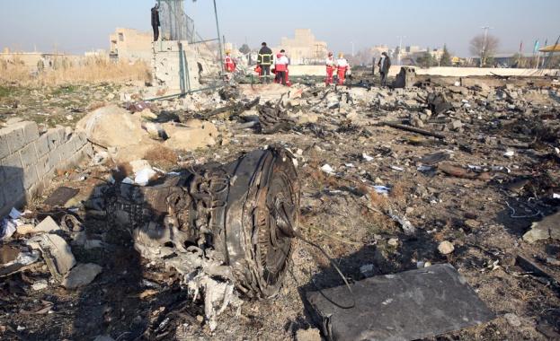 """Разбилият се в Техеран украински самолет """"Боинг 737-800"""