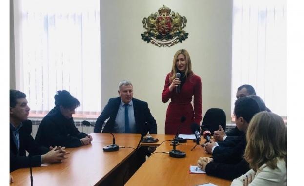 Министър Ангелкова: Туристическата информационна система качи приходите