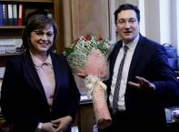 Отрупаха с цветя Корнелия Нинова в парламента за рождения й ден