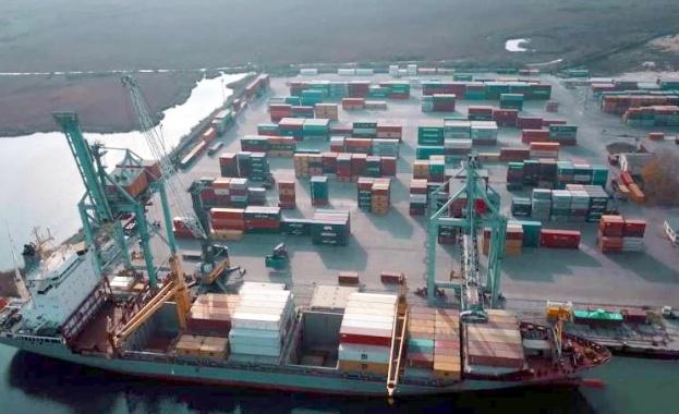 """Контейнери със съмнителен боклук са открити на пристанище """"Варна-Запад"""
