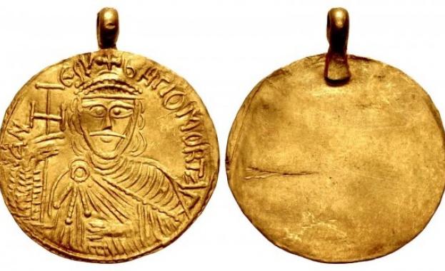 ФБР разследва мистериозен златен медальон на хан Омуртаг
