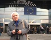 Евродепутати аплодират учителя Тео в Брюксел (снимки)