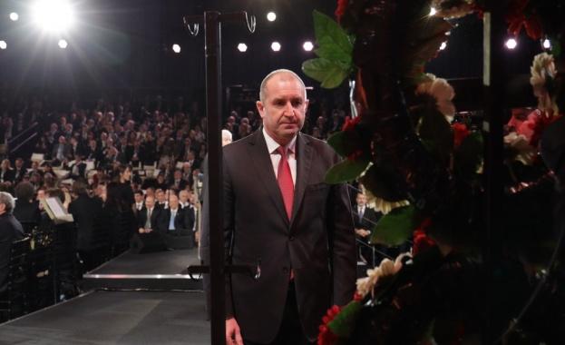 Световни лидери положиха венци в памет на жертвите на Холокоста.