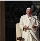 Папа Франциск се моли за хората, заразени с новия коронавирус