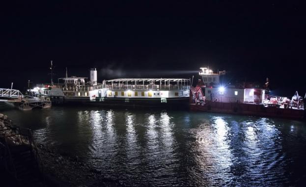 """Късно вечерта на 30-ти януари 2020 г., кораб-музей """"Параход Радецки"""