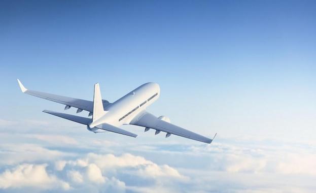 От Русия излетя първият от общо пет военни самолета, които